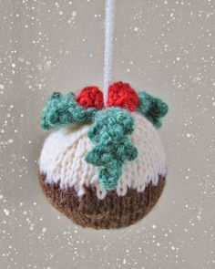 Love this fab FREE pattern for a little Christmas Pudding decoration for the tree ... so cute ...