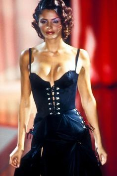 Helena Christensen walked for Atelier Versace Couture 1995