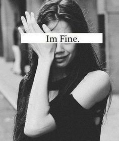 """"""" Ce n'est pas parce que mon visage n'affiche aucune tristesse que mon cœur n'endure aucune douleur..."""""""