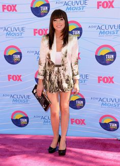 #dresscolorfully carly rae jepson with our tiki clutch