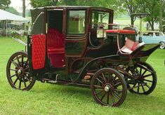 1899 Columbia Electric Coach ... by Bear Tales
