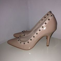 Steve Madden Nude Valentino style pointy toe pumps These are bra new never have I worn these they look exactly like the valentino rockstud heels that are so in right now they are a 7.5 Steve Madden runs true to there size. They are very comfy for a pointy toe heel and are 4inches high. If you have any other questions please don't hesitate to contact me I will be more than Happy to answer them. Steve Madden Shoes Heels