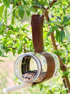 Upcycled Crafts, Diy Home Crafts, Kid Crafts, Easter Crafts, Garden Art, Garden Design, Diy Garden, Garden Ideas, Upcycled Garden