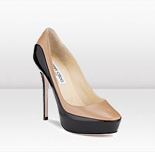 obsessed with two-tone pumps