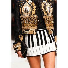 Dolce & Gabbana  #VogueRussia #readytowear #rtw #springsummer2017 #DolceGabbana #VogueCollections