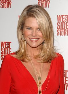 Christie Brinkley Medium Straight Hair Styles Long Hair for women over 50 and over. Wow long hair why not? Hair Styles 2016, Medium Hair Styles, Short Hair Styles, Christie Brinkley, Hair Styles For Women Over 50, 40 Year Old Hair Styles, Great Haircuts, Long Haircuts, Medium Haircuts