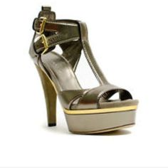 07a1652d1083be Gucci Lifford Sasso Pewter Platform Heels There in good used condition and  size which is like a additional photos coming soon has a army green color  with ...