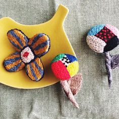atelier PIIKA : 刺繍 ブローチ | Sumally