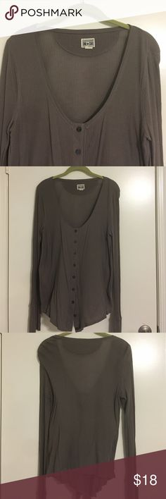 Converse knit long sleeve taupe blouse🎉 Converse knit long sleeve taupe blouse - button up front scoop neck- great with jeans! XL Converse Tops Tees - Long Sleeve