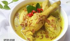 Indonesian food is the best - farmings Laksa, Indonesian Food, Indonesian Recipes, Ppr, Food Photo, Cilantro, Cheeseburger Chowder, Chicken Recipes, Recipe Chicken