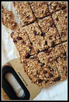 Low-Fat Granola Bars with Bananas, Cranberries & Pecans – Prevention RD
