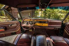 1991 Jeep Grand Wagoneer Corduroy and Leather Interior (photo courtesy of FCA)