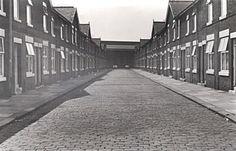Salford, Slums, Working Class, Manchester, Sidewalk, British, History, Historia, Side Walkway