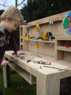 PURE werktafel voor kids PURE work table for kids Kids Workbench, Play Wood, Construction For Kids, Toddler Furniture, Baby Co, Kids Hands, Kids Corner, Kids House, Play Houses