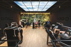 Fit Factory Interieur eGYM & Urban GYM. Design by Bloomming.  Fit Factory - Enjoy the moment! -