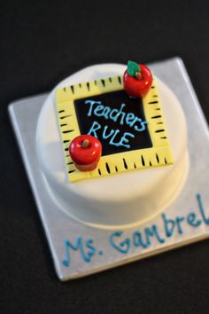 Fondant Teacher Appreciation Gift from Parker's Flour Patch at Etsy Teacher Birthday Cake, Teachers Day Cake, Teacher Cakes, Birthday Treats, Pull Apart Cake, Pull Apart Cupcakes, Fondant Cakes, Cupcake Cakes, Fun Cakes