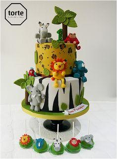 Jungle birthday cake - Cake by Beth Mottershead Jungle Safari Cake, Jungle Birthday Cakes, Boys 1st Birthday Cake, Safari Cakes, Cool Birthday Cakes, Jungle Cake Pops, Jungle Theme Cakes, Lion Birthday, Bolo Mickey Safari