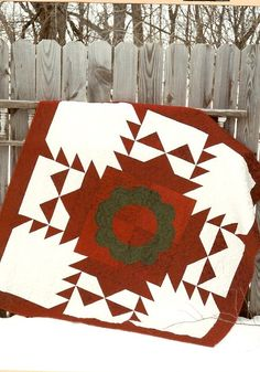 Country Threads :: Pieced and Appliqued Quilt Patterns :: Trimmings - A Christmas Tablecloth Pattern