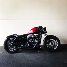 Motorcycle Types, Bobber Motorcycle, Cool Motorcycles, Indian Motorcycles, Custom Cafe Racer, Cafe Racer Bikes, Harley Bikes, Harley Davidson Motorcycles, Mode Masculine