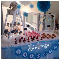 Barra de postres baby shower, decoración, mesa de dulces, niño, azul, escalera, tendedero de los deseos, fiesta, lámparas chinas, pompones papel China, Dulcesa, en Toluca y Metepec