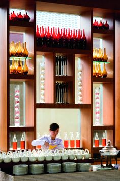 The Ritz-Carlton Sanya (Sanya, China) – Book this hotel at the cheapest price on sefibo. Chinese Tea, Throughout The World, Open Kitchen, Wall Colors, Best Hotels, Shanghai, Liquor Cabinet, Simple, House
