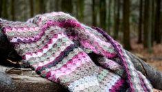 Asymmetrisk oldemor firkant   Eponas dagbog Winter Hats, Blanket, Blog, Crafts, Crocheting, Plaid, Rose, Knitting And Crocheting, Crochet Squares