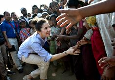 January 12: HRH Crown Princess visited Myanmar. Visitors had a focus on women difficult conditions in the impoverished Southeast Asian country. Pictured greet Crown Princess of residents in the camp Say Tha March Gyi in Sittwe who receive assistance from the Danish Refugee Council