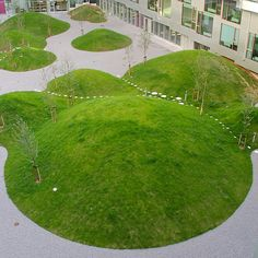 Building with 476 apartments that looks like the figure 8 from above (built Award winner in the category best housing project in the World Architecture Festival in Barcelona Architect: BIG, Bjarke Ingels Group, Denmark. World Architecture Festival, Landscape Architecture Design, Green Architecture, Classical Architecture, Ancient Architecture, Sustainable Architecture, Landscape Designs, Modern Landscaping, Garden Landscaping
