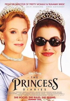 Julie Andrews and Anne Hathaway in The Princess Diaries Girly Movies, Teen Movies, Iconic Movies, Good Movies, The Princess Diaries 2001, Diary Movie, Runaway Bride, Bon Film, Julie Andrews