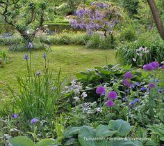 50 Brilliant Front Garden and Landscaping Projects You'll Love - The Trending House Garden Planning, Outdoor Gardens, Wildflower Garden, Rooftop Garden, Landscape, Winter Garden, Cottage Garden, Bonsai Garden, Garden Inspiration