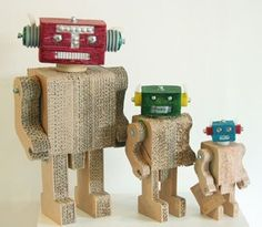 Robot family made from corrogated cardboard. Oh and complete #nerdporn