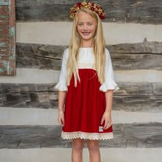 Bourgeois Bébé is a family owned business that specializes in hand crafted baby clothing, accessories and gifts for newborns, infants, and toddler. Little Girl Fashion, Little Girl Dresses, Girls Dresses, Summer Dresses, Girls Dream Closet, Christmas Wreaths, Christmas Dresses, Kids Outfits, Dressing