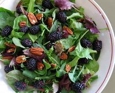 Mixed Baby Greens and Arugula with Blackberries and Pecans #salad #vegetarian