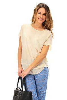 MANILA GRACE - T-Shirts - Abbigliamento - Blusa in viscosa con chiusura a bottoncino con scollo a goccia sul retro. Fondo asimmetrico. - MD186 - € 73.00