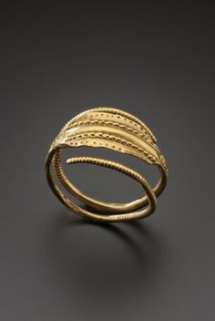 Gold finger ring, 3rd century A.D.