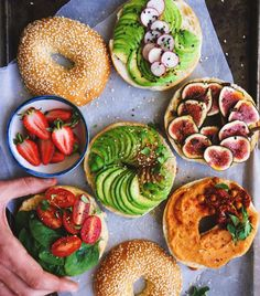 Delicious and healthy I love bagels Healthy Snacks, Healthy Eating, Healthy Bagel, Healthy Junk, Happy Healthy, Food Goals, Aesthetic Food, Bagels, Food Inspiration