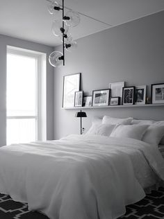 8 GRAY BEDROOM IDEAS FOR THE FALL/ SEE MORE AT: http://modernhomedecor.eu/modern-bedroom/gray-bedroom-ideas-fall/