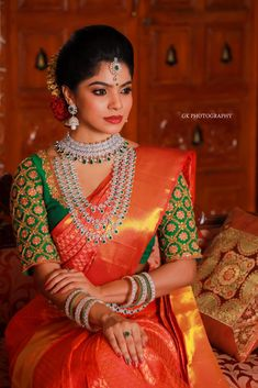 Incredible Jewellery Ideas To Wear With Red Bridal Silk Saree Bridal Sarees South Indian, Bridal Silk Saree, Indian Bridal Outfits, Indian Bridal Fashion, Indian Bridal Wear, Silk Sarees, Wedding Saree Blouse Designs, Pattu Saree Blouse Designs, Fancy Blouse Designs