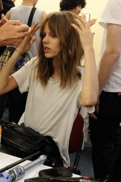 freja's long bob and fringe