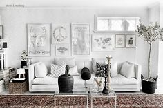 The house of Anna G. Nordic Interior, Interior Design, Art Mur, Wall Art, Inspiration Wand, Anna, White Rooms, Living Room Interior, Living Spaces