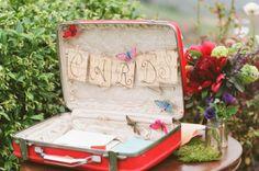 Dit is ook een leuke koffer om je enveloppen in te bewaren op je trouwdag