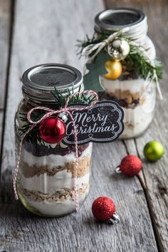 Cranberry White Chocolate Cookies in a Jar Image
