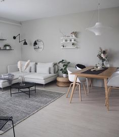 123 brilliant solution small apartment living room decor ideas and remodel 55 Beige Sofa Living Room, Ikea Living Room, Small Apartment Living, Small Room Bedroom, Dining Room, Apartment Interior, Room Interior, Modern Interior, Living Pequeños