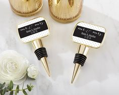 PERSONALIZED GOLD BOTTLE STOPPER WITH EPOXY DOME – MR AND MRS