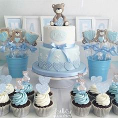 Are you in search of baby shower decoration ideas? We have gathered 25 DIY baby shower decorations to make your job easier. Deco Baby Shower, Cute Baby Shower Ideas, Fiesta Baby Shower, Shower Bebe, Boy Baby Shower Themes, Unique Baby Shower, Shower Party, Baby Shower Parties, Baby Boy Shower
