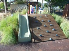toboggan bois intéressant original enfants aménagement jardin idée originale