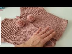 Chickpea Vest Model Started with 3 loops - videolu yelek - Baby Knitting Patterns, Knitting For Kids, Crochet For Kids, Knitting Designs, Crochet Designs, Crochet Baby, Knit Crochet, Baby Scarf, Baby Vest