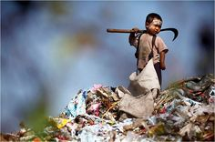 An illegal immigrant boy from Myanmar collects plastic at a rubbish dump site near Mae Sot by Damir Sagolj Photo Humour, World Days, Free Thinker, Children Images, Child Life, Working With Children, Atheism, Doa, Happy Sunday