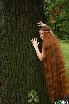 Girls with very long hair: Beautiful Long Hair Pictures Beautiful Redhead, Beautiful Long Hair, Gorgeous Hair, Really Long Hair, Long Red Hair, Rapunzel, Hair Photo, Hair Pictures, Mi Long