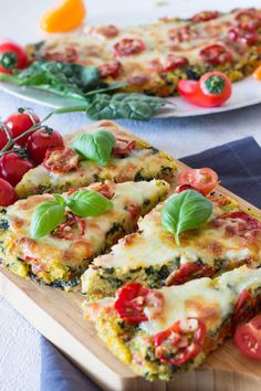 Polenta pizza with tomatoes and spinach - a quick recipe for children -You can find Polenta and more on our website.Polenta pizza with tomatoes and . Healthy Pork Recipes, Healthy Dessert Recipes, Quick Recipes, Healthy Drinks, Baby Food Recipes, Healthy Meals, Rabbit Recipes, Healthy Habits, Veggie Recipes